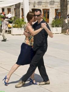 Street tango 2